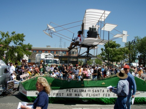 PAPA's 2009 float, the Wiseman Flyer